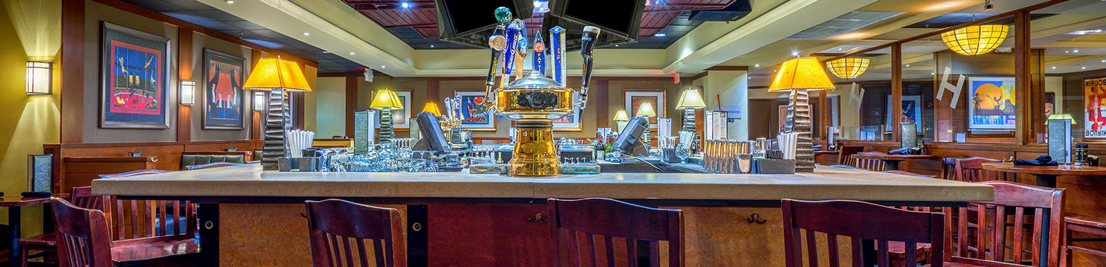 Crowne Plaza Dulles Airport Hotel Restaurant and Bar